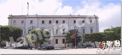 palazzo della prefettura in piazza s. teresa