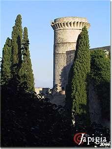 oria i torrioni del castello
