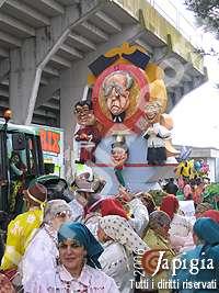 gruppo mascherato