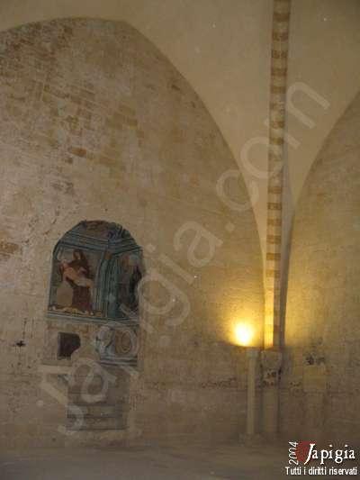 l'interno del castello carlo v di lecce