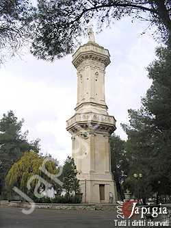la colonna dedicata alla madonna di montevergine