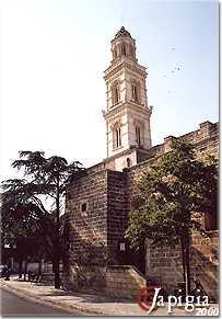 soleto, la guglia e la chiesa